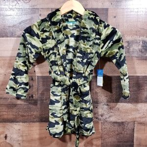 Lightning Bug NWT super soft camo bathrobe